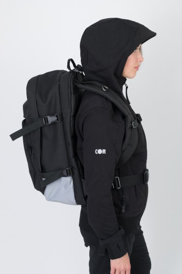 Tour Backpack Black/Reflective Gray