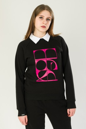 Clean Crew-neck Black Curved Cyrillic Vertical