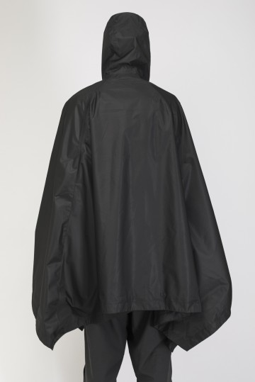 Punch Poncho Black