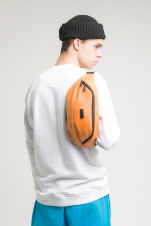 Hip Bag Large Orange Art. Leather